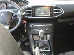 Peugeot III intérieur.jpg