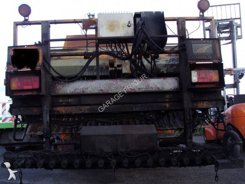 1181984-camion-polybenne.jpg