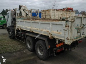 1511221-camion-renault-benne.jpg