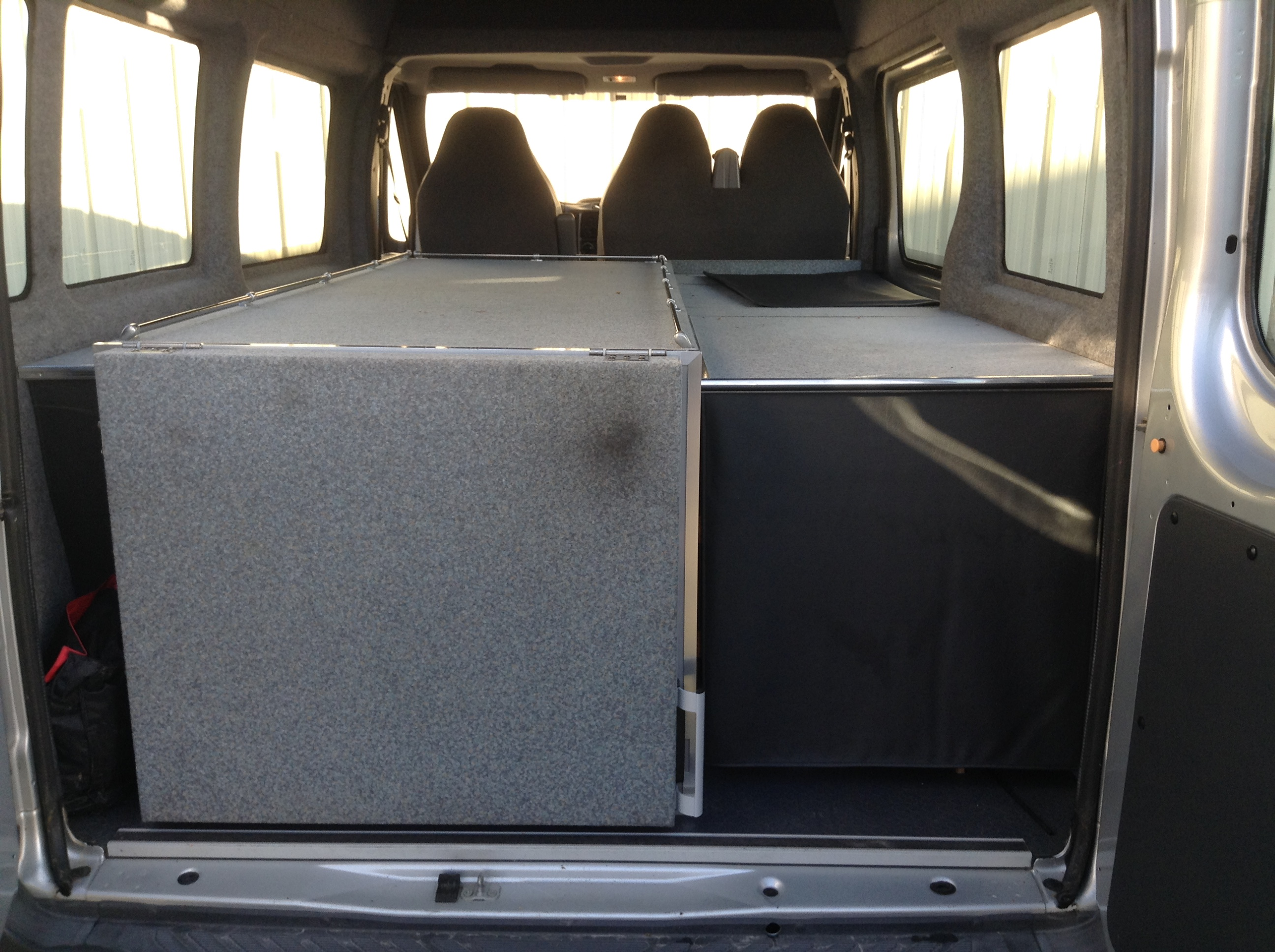 Garage priour ford transit ii 2 0 td ci 125 fourgon for Garage ford la roche sur foron