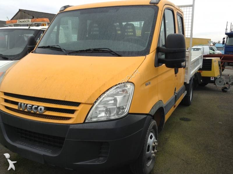 Garage priour iveco daily 35c12 benne occasion nivillac 56 for Garage nissan utilitaire