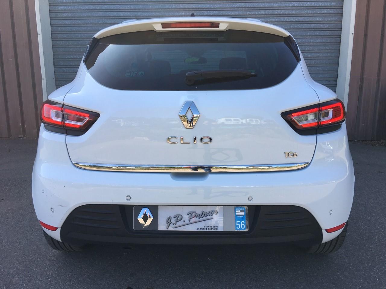 EXTERIEUR ARRIERE CLIO IV.jpg